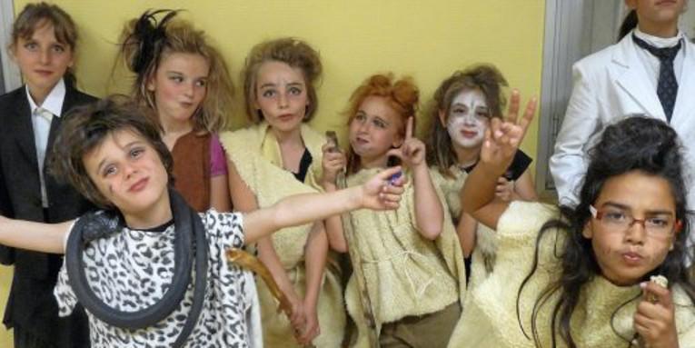 CHASSEURS DE MAMMOUTHS ( théâtre néandertalien )
